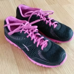 L.A. Gear Brianna Lightweight Athletic Sneakers 7